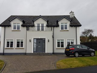 Maple Grove, Fahan, Co. Donegal - Luxury 4 Bedroom Home to Sleep 8