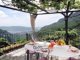 2 bedroom Villa with Air Con and WiFi - 5775505