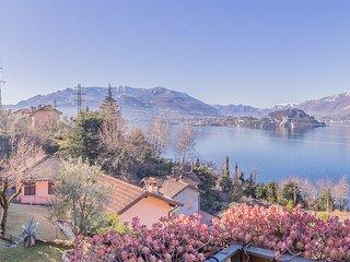 Il Tramonto sul Lago Varenna