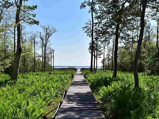 Villa R On The Bay-Gulf Suite Beach and Dock Located on East Bay/Pensacola Bay!