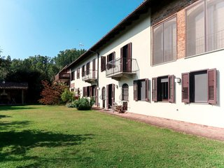 4 bedroom Villa in Valmezzana, Piedmont, Italy - 5775535