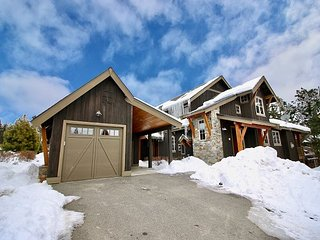 Prospector's Point in Suncadia!  2 Masters | WiFi | Walk to Golf & The Spa!
