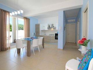 Elcisia Beach apartment in Torre Specchia Ruggeri with air conditioning, private