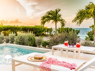 Beachfront Villa Sandpiper // Amazing views of Grace Bay & private pool!