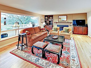 Exquisitely Maintained w/ Large Backyard - Near Seattle!