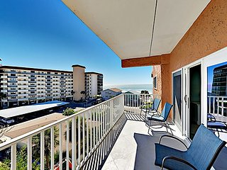 COMPLETELY RENOVATED Gulf-View Condo w/ Pool - Walk to Beach, Shops &  Dining