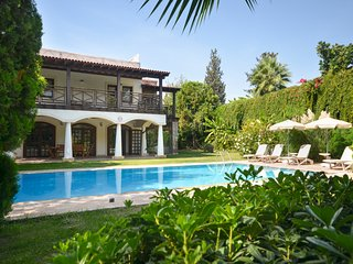 4 bedroom Villa with Pool, Air Con and WiFi - 5775787