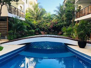 Encanto Oeste 102 - Poolside Tropical Paradise/ Ground Floor