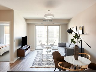 Sunny 1BR in Downtown East by Sonder
