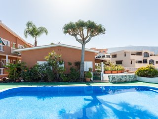 Residencial Apartment with Wifi, Parking and Pool!
