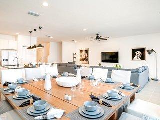 Disney On Budget - Sonoma Resort - Beautiful Contemporary 10 Beds 8 Baths Villa