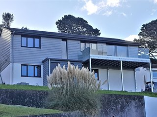 Salcombe, 4-Bed Holiday Home with 10-min Walk to Northsands Beach & Winkin Prawn