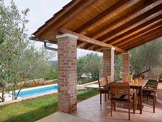 Ferienhaus mit Pool fur 6 Personen mit Meerblick auf der Insel Krk