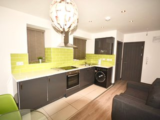 Stylish & Modern City Centre Apartment