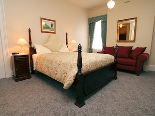 The Lodge - Spa Accommodation Room12