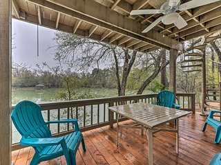 NEW! Lakefront Houston Home w/ Decks & Game Room!