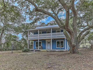 NEW! Southport Home - Mins to Bald Head Isl Ferry!