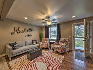 NEW! Cute Home w/ Deck, 13 Mi. to Dwtn Nashville!