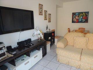 Praia das Dunas - Apartamento aconchegante e confortavel com 2 quartos CF17 MC40