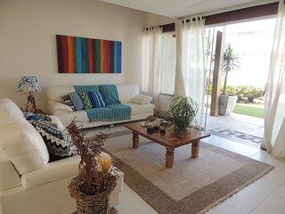 Casa aconchegante e espaçosa com privilegiada vista do mar - Praia de Manguinhos