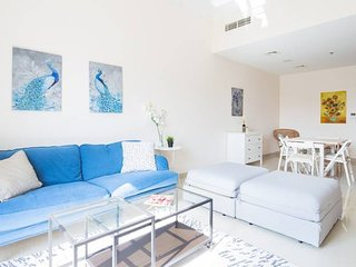 Beautiful and Bright 1BR apartment in JVC