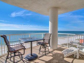 Island Royale 906 ~  Corner Beach Front View~Bender Vacation Rentals