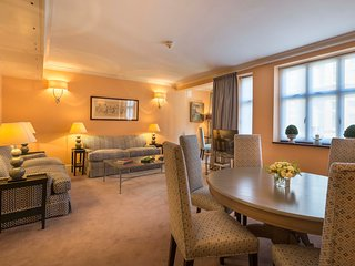 Newly refurbished 2 bedroom apartment close to Harrods