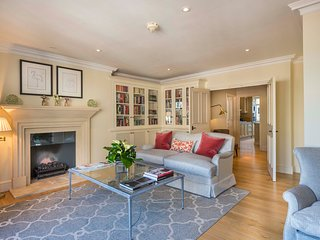 Knightsbridge Penthouse 3 bedroom apartment with 2 balconies close to Harrods