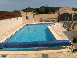 Villa familiale avec piscine privee securisee