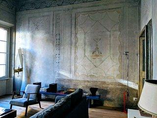 Appartamento con affreschi del '600 in palazzo storico del centro di Mantova