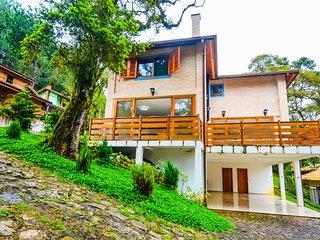 Linda e espaçosa casa em Monte Verde Monte Verde, Carla