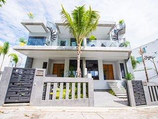 Luxury 5-bedroom Seaview Villa at Kata Beach