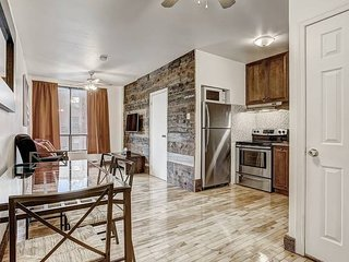 Destination Loft Minutes from Downtown #104