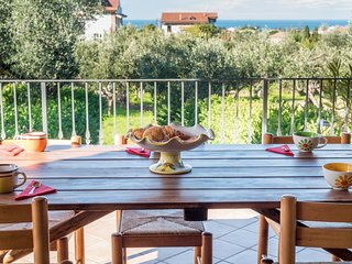 Beautiful house with panoramic sea view. Sleeps 6.