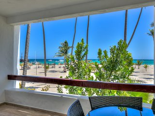 Incredible Oceanfront 3 Bedroom Apartment S-B201