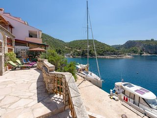 Holiday house Jelena directly by the sea in beautiful bay