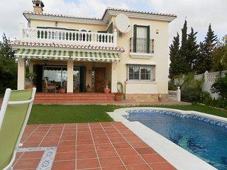 Villa with private pool .5 bedrooms.Sea views