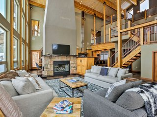 NEW! Winter Park/Granby Mtn View Chalet w/ Hot Tub