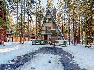 Cozy cabin w/private hot tub, near skiing, hiking, biking & lake