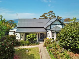 Girraween Cottage - Eden, NSW