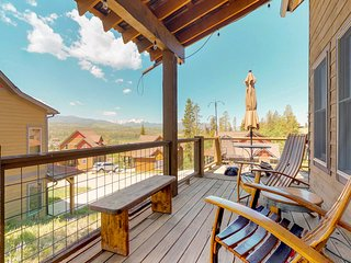 NEW LISTING! Charming dog-friendly cabin with private hot tub and mountain views