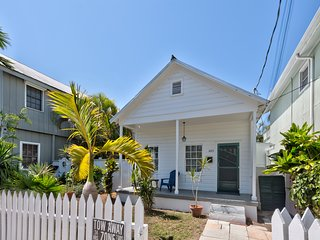 Dog-friendly getaway w/ furnished patio & shared pool - blocks from the beach