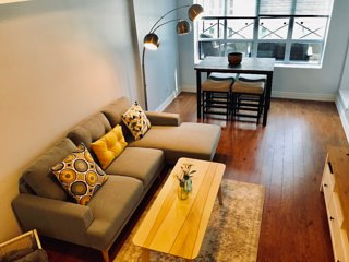 Modern 2bd + terrace + parking, financial/entertainment district