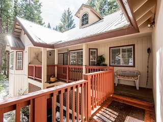 Home surrounded by nature w/ private decks, nearby tennis, game room, and more!