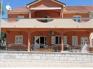 Two bedroom apartment Biograd na Moru (Biograd) (A-16561-a)