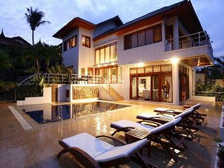 Ocean View Patong Villa With Private Pool, En-suite rooms and Free WiFi