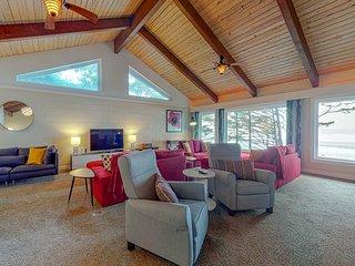 Gorgeous oceanfront home w/ direct beach access, home comforts & ocean views!