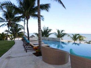Peninsula Cancun Beachfront