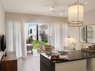 2 Bedrooms Apartment at O'Biches -beautiful and modern in Trou aux Biches
