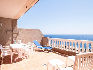 Oceanfront dog-friendly condo w/ shared pools just minutes from black-sand beach